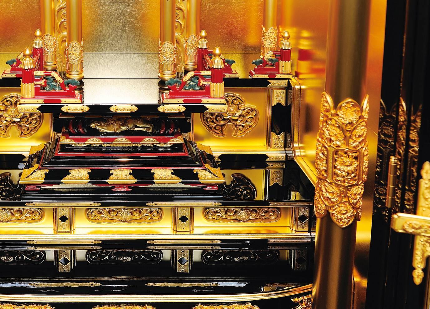 浄土真宗の大谷派と本願寺派の金仏壇の違い、柱部分
