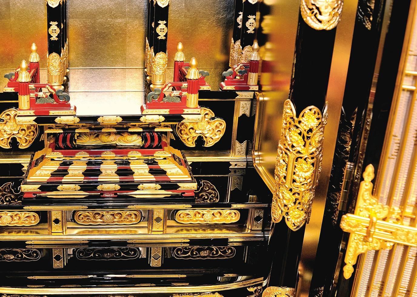 浄土真宗大谷派と本願寺派の金仏壇の違い、柱部分