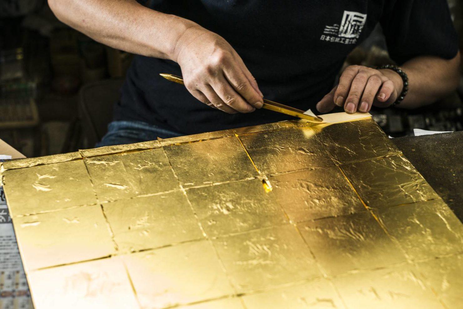 仏壇の修理・修復 仏壇の金箔の修理