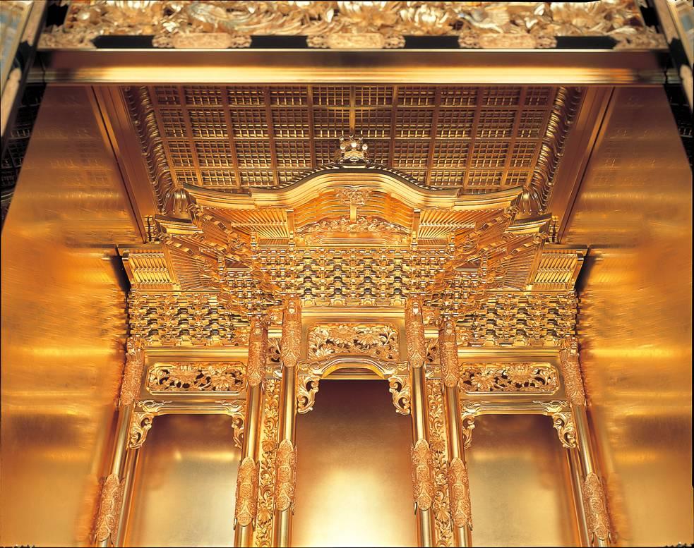 浄土真宗の大谷派と本願寺派の金仏壇の違い、宮殿の屋根部分