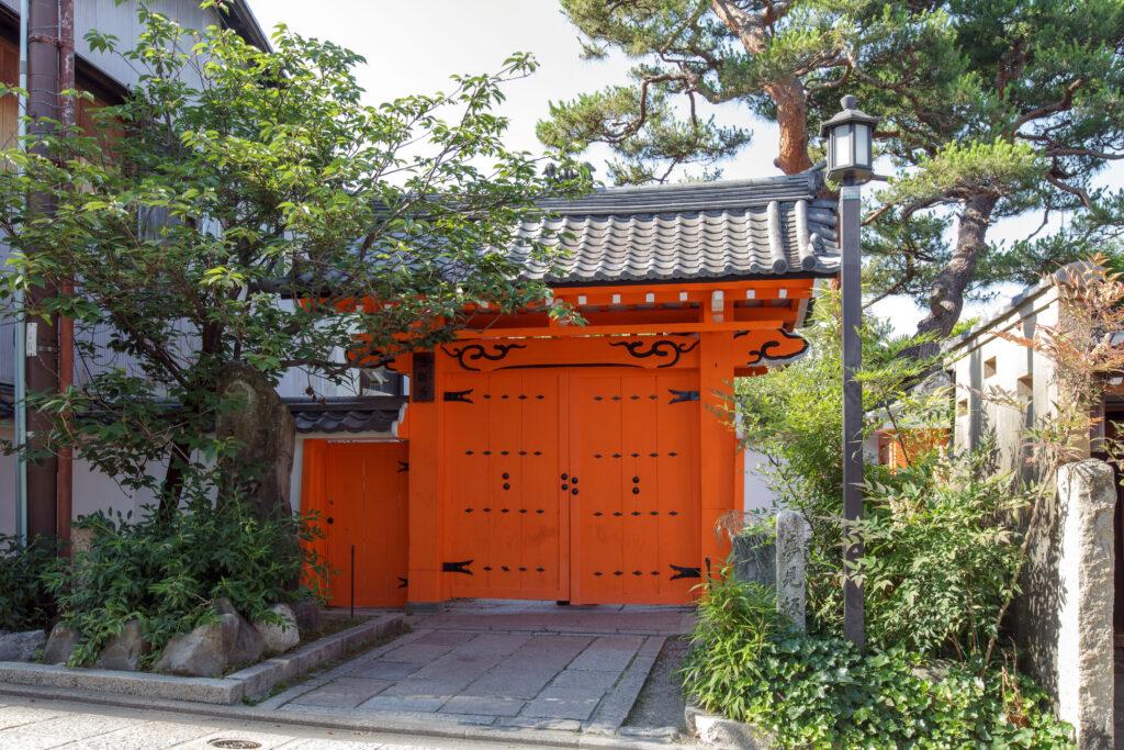 金剛寺(八坂庚申堂)様 山門